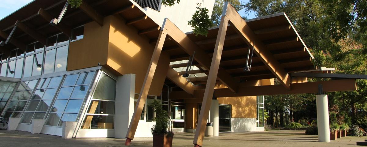 Newton Branch | Surrey Libraries